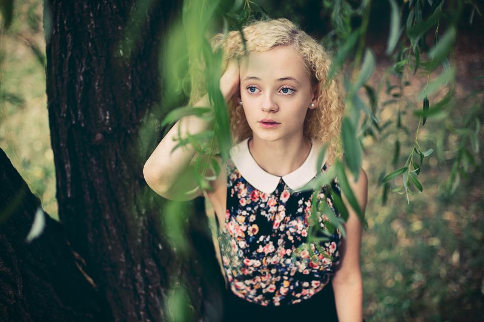Umelecky portret pri vrbe